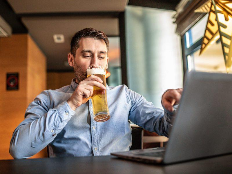 Virtual Beer Tasting: Host Your Own for Free in 2021!